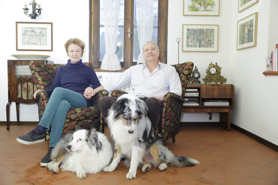 Clara e Marco con i pastori australiani Soho e Kenzo