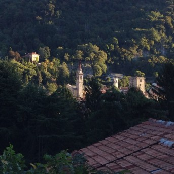 Il paese visto dal giardino di casa Giacconi