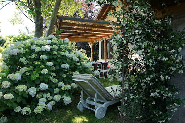 casa-giacconi-bed-and-breakfast_como_lake-_garden_relax