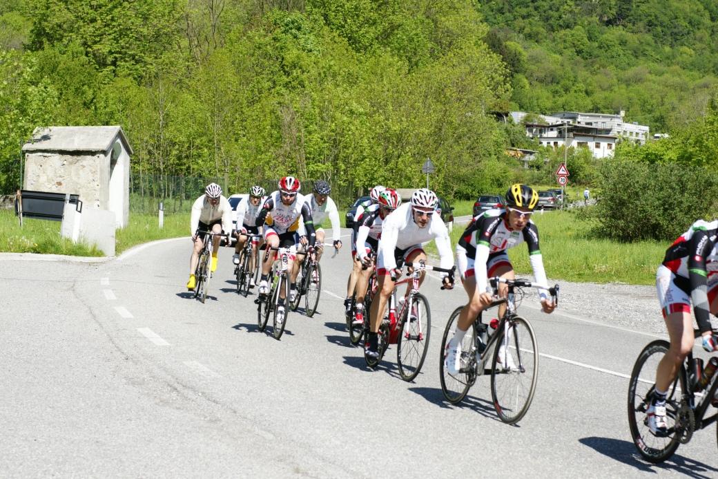 Ciclisti sulla strada del Ghisallo